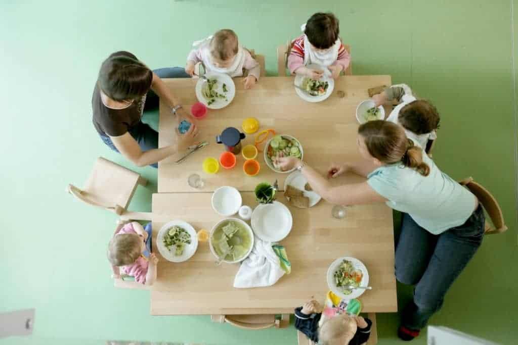 Mahlzeiten in den element-i Kinderhäusern