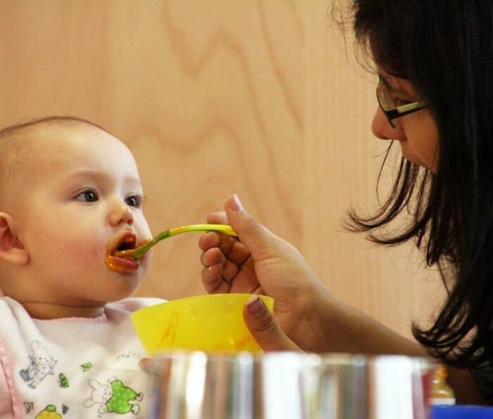 Ernährung von Kleinstkindern in der Kita